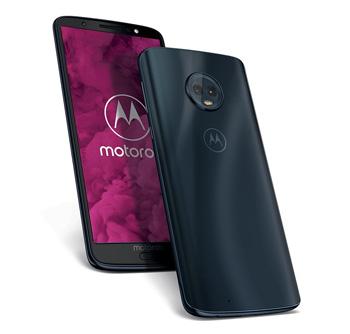 Voor- en achterkant van de Motorola G6 in zwart